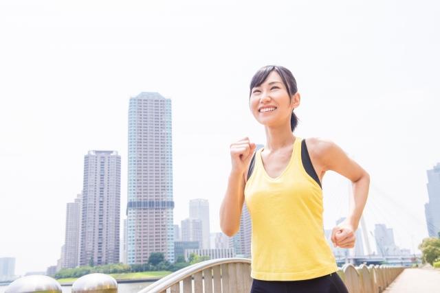 ダイエットで運動を楽しむ女性